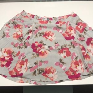 Floral skirt with pockets!